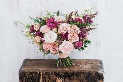 Tmx 1520906534 C21b6d326bf97bd5 1520906533 48c7b22590d7d85e 1520906532795 1 FB IMG 15209063507 Starkville wedding florist