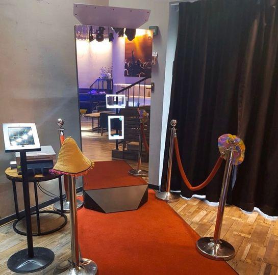 Mirror booth setup
