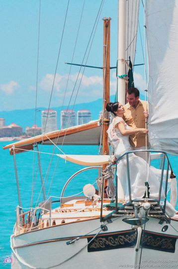 retratos-y-bodas Destination Wedding Photographer in Punta Mita - Luxury Sailing
