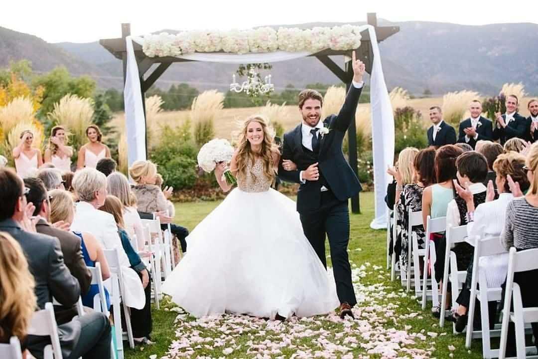 Cloud 9 Weddings & Papers