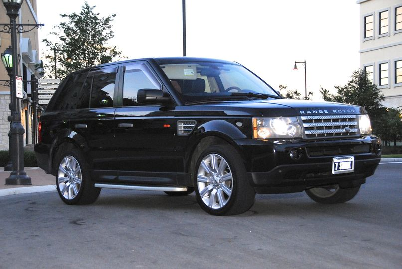 **Range Rover SUV** The Range Rover SUV is the ideal setting to enjoy the hum of night life in Los...
