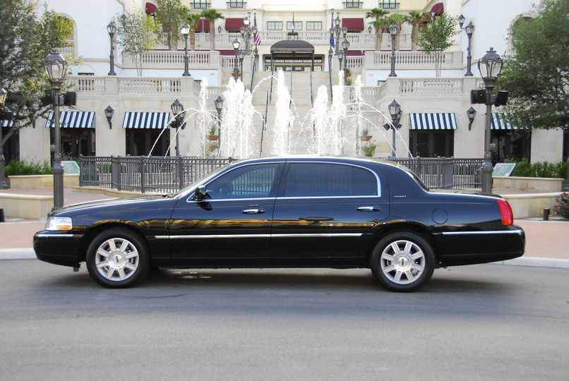 **Lincoln Town Car Executive Sedan** Keeping with the tradition of bringing San Antonio the finest...