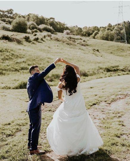BRIDES & BEAUTY