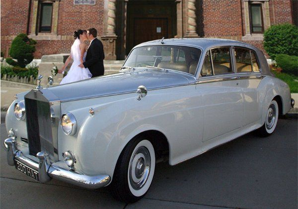Vintage Rolls Royce for your special day is more affordable than you think