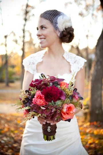 Fall bridal bouquet photography by Genevieve Leiper