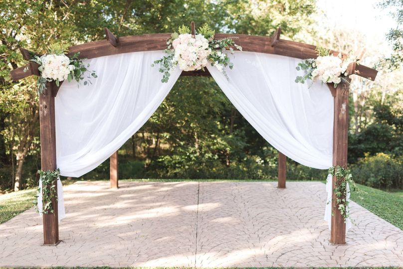 Outdoor ceremony arbor