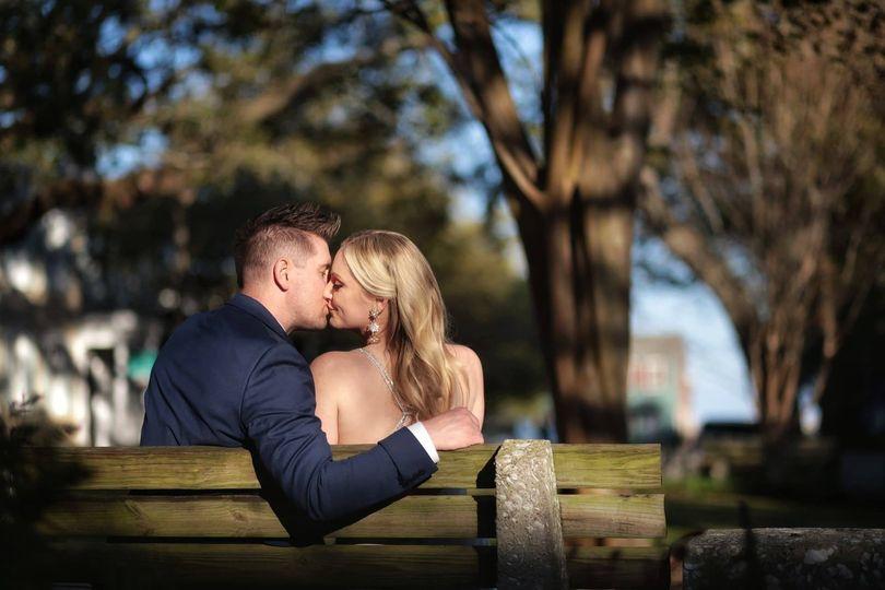 luxe by lindsay savannah ga wedding photographer bride groom kiss 51 950189 1561423719