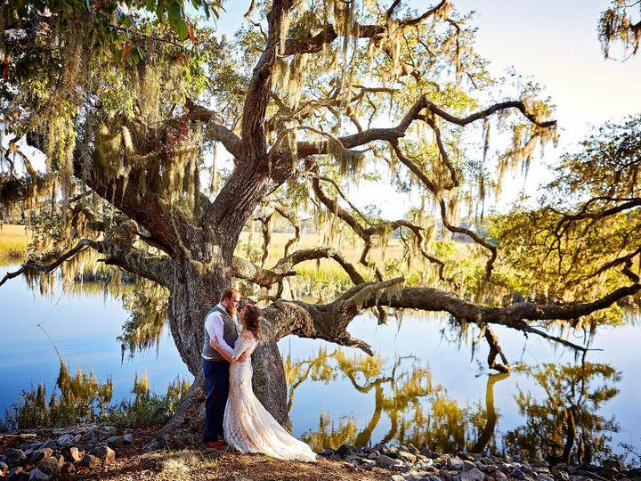 Tmx Bride Groom And Oak Tree Edisto Island 51 950189 157513715992000 Charleston, SC wedding photography