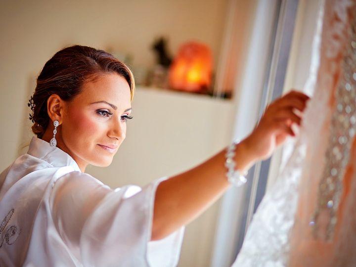 Tmx Bride Looking At Dress 2 51 950189 157513717275045 Charleston, SC wedding photography