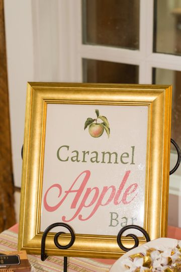 Apple bar sign