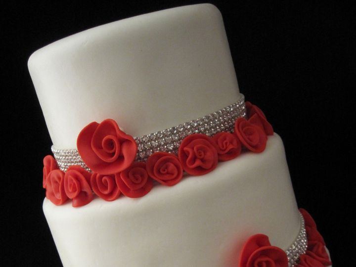 Tmx 1372693000980 Red Roses And White San Antonio, TX wedding cake