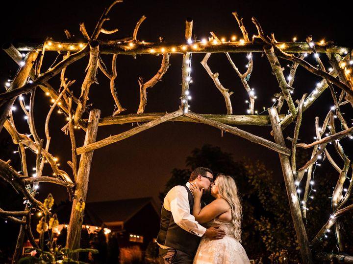 Tmx 1515435938 8528dcb7035e916e 1515435006 54265f518010f383 1515435003961 2 CasiddyKISSING Hortonville, WI wedding venue
