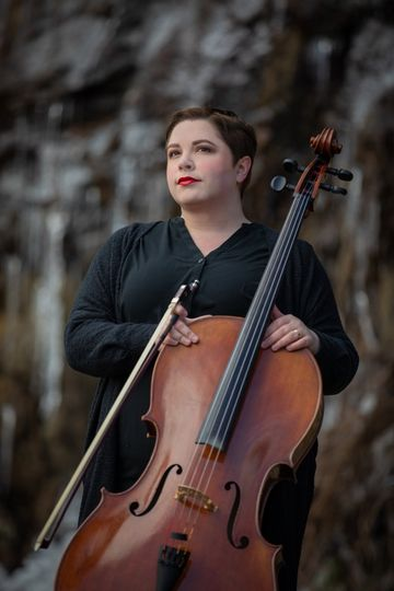 Mandy Grace Guilfoyle, Cellist