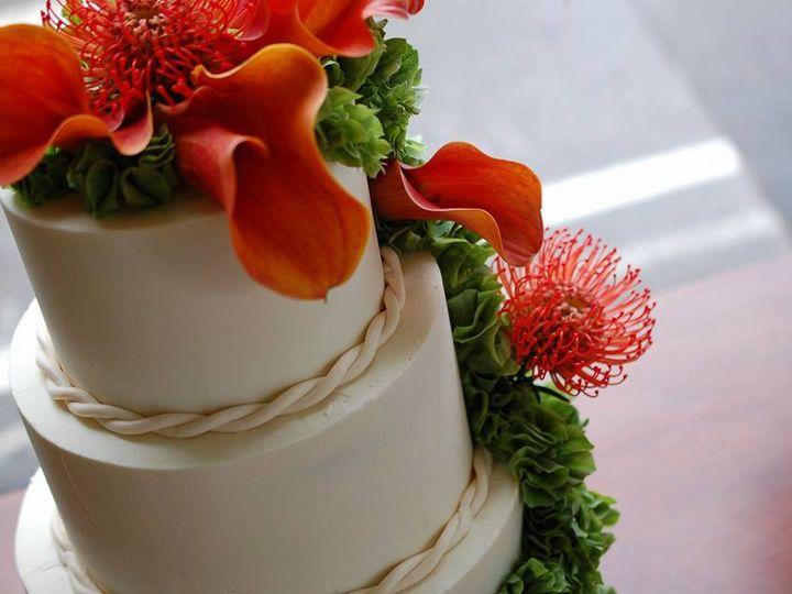 Tmx 1437880863995 Weddingcakeredflowers Hampton, NH wedding cake