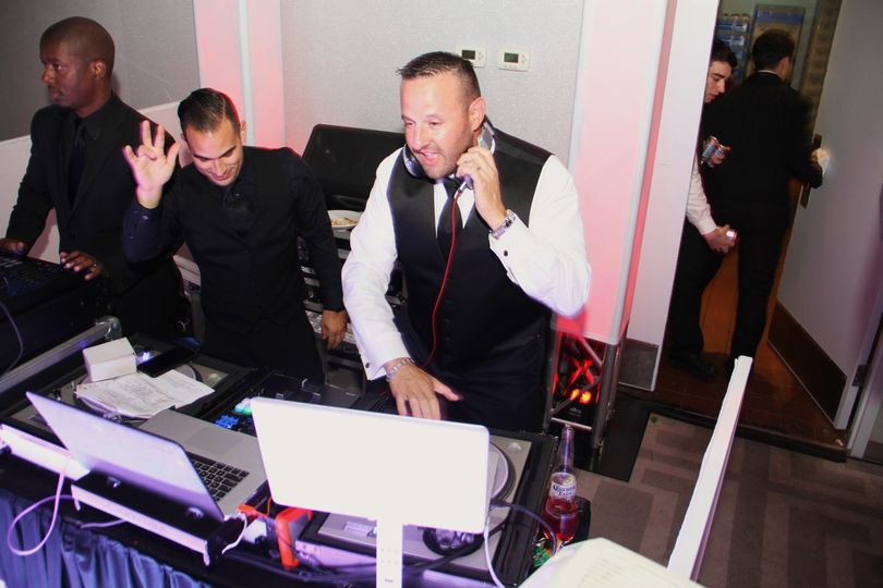 Groom Michael Deejaying!!