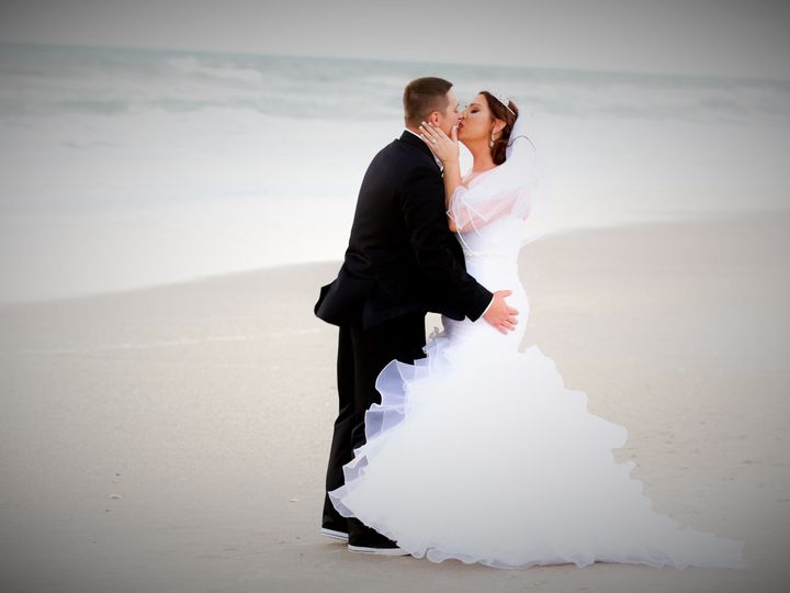 Tmx 1522246476 F2d9a1ccaba819f1 1522246474 3198d6f00c3dfd4f 1522246466773 1 Orlando Wedding Ph Oviedo, FL wedding photography