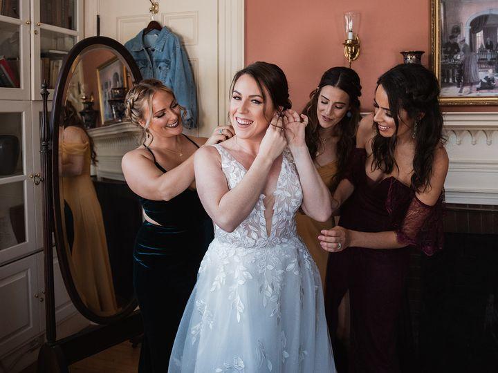 Tmx Juliadaniel Bridalprep 35 51 1907289 160720492419050 Brighton, MA wedding photography