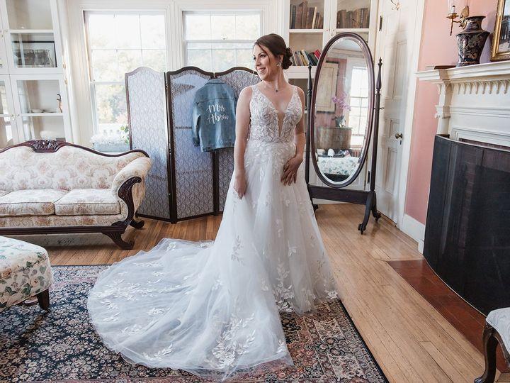 Tmx Juliadaniel Bridalprep 63 51 1907289 160720492444488 Brighton, MA wedding photography