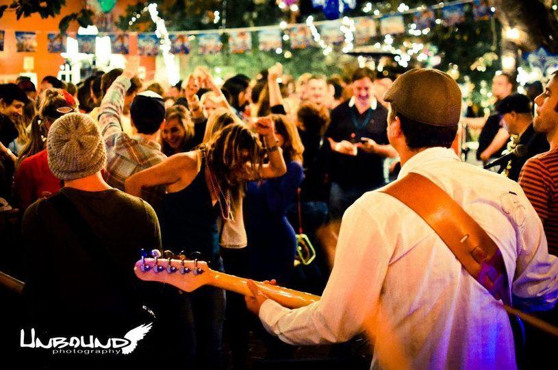 CHILLULA dance party band
