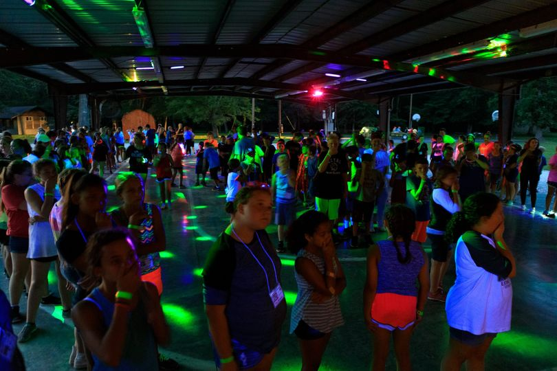 Shelter House w. Party Lights