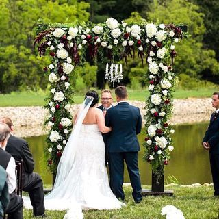 Tmx 116801520 170987211148985 7343044622169009112 N Copy 51 1883389 160348753054825 Sugarcreek, OH wedding florist