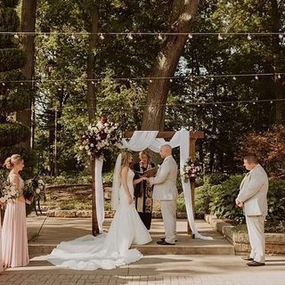 Tmx 118142660 636892843926852 6516470796568373349 N Copy 51 1883389 160348753313222 Sugarcreek, OH wedding florist