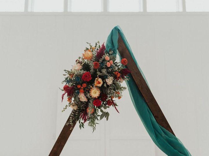 Tmx 69932697 380244496208832 2044860438163750912 O 51 1883389 160348753025399 Sugarcreek, OH wedding florist