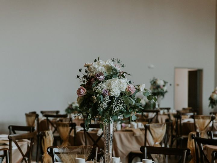Tmx Curtis Lesley Curtis Lesley 0057 Copy Copy 51 1883389 160348754117928 Sugarcreek, OH wedding florist