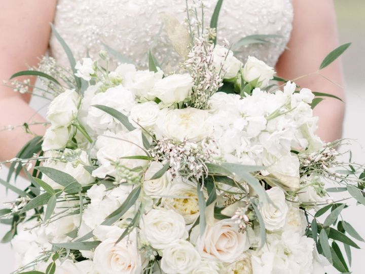 Tmx Thumbnail Jkportraits 023 Copy Copy 51 1883389 160348755244775 Sugarcreek, OH wedding florist