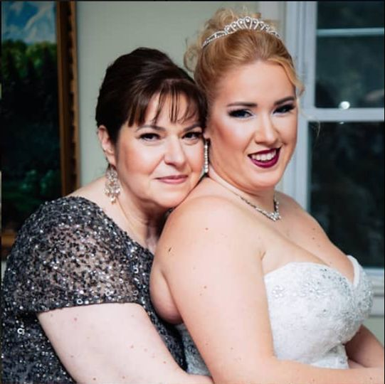 Stunning shot of bride and mom