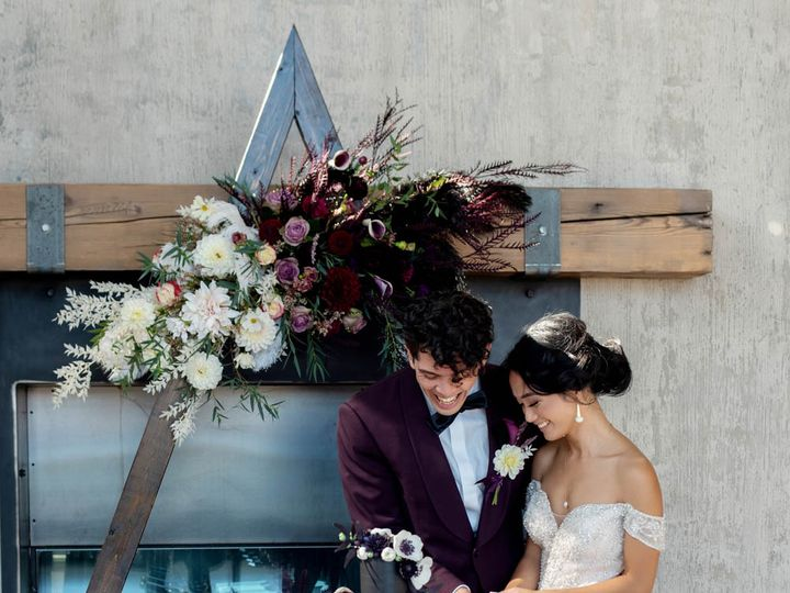 Tmx Crystalgenesphotography201020 131229 51 1916389 162352459687264 Vancouver, WA wedding planner