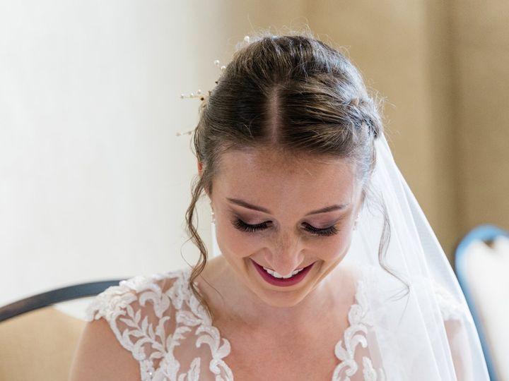Tmx Barazi Sneaks 21 51 1727389 160441430079488 Toledo, OH wedding beauty