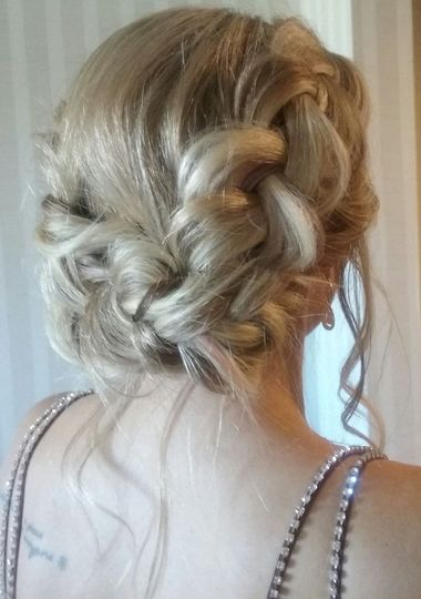 800x800 1522338804 540e5538c38960df 1522338802 1a95fe755c677ae0 1522338795107 1 braided crown updo
