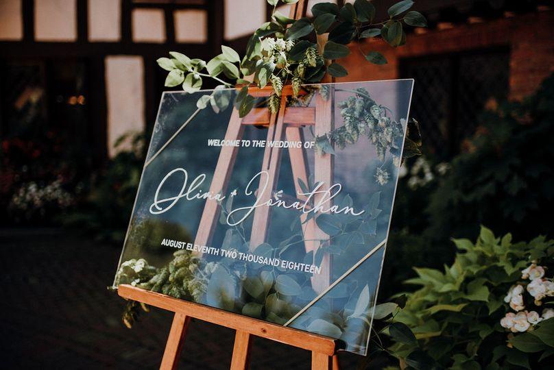 Welcome signage | Suzuran Photography