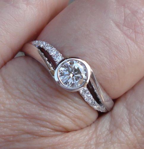 $1099 1/2 Carat TCW0.40 Center Diamond VS2 G14K White GoldSize 6.5