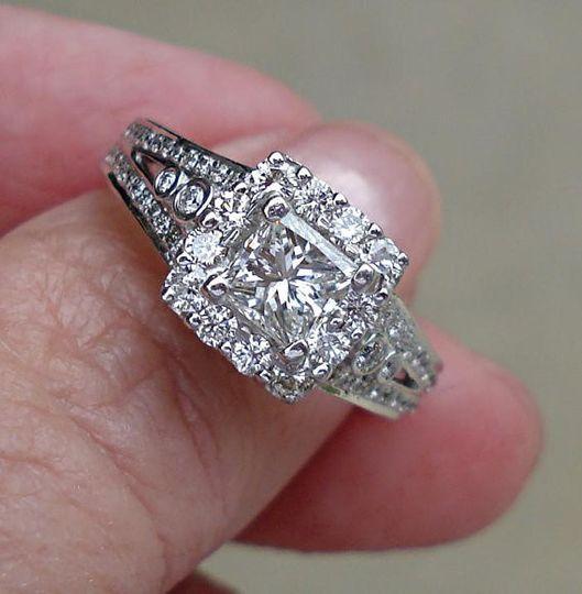 $2500 18K White Gold0.64 Carat Princess Cut DiamondSize 61.67 TCW