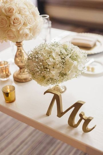 marie napole sweetheart table closeup