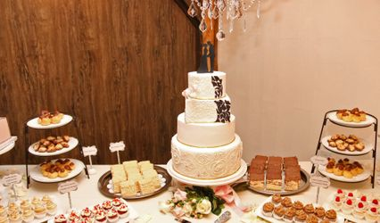 Sugar Petals Custom Cakes