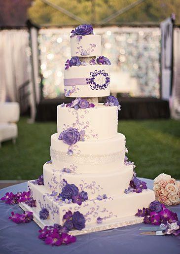 vanilla bakeshop wedding cake