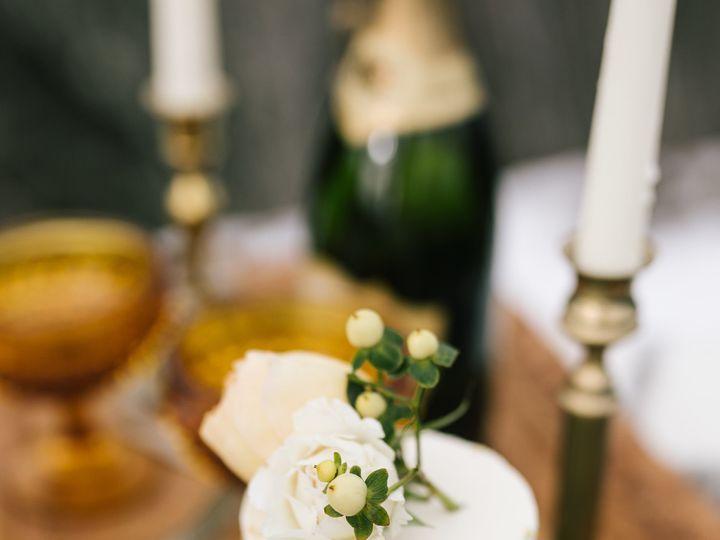 Tmx 1518580161 6cf7546f715e816a 1518580159 9704d565e07574aa 1518580158721 7 Kellylemonphotogra Bothell wedding cake