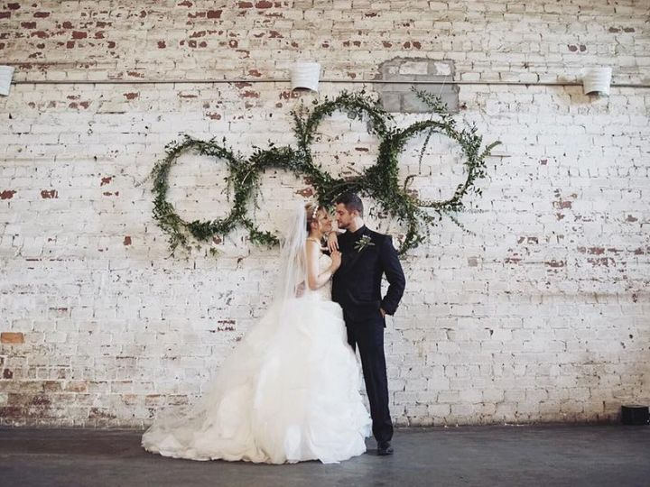 Tmx 1484509675850 Screen Shot 2017 01 15 At 2.48.23 Pm Sarasota, FL wedding florist