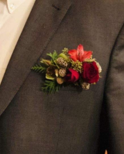 Holiday pocket boutonniere