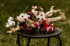 Grapewood Florals