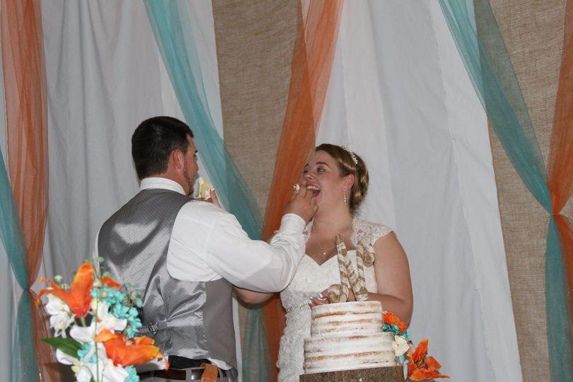 Eating of wedding cake