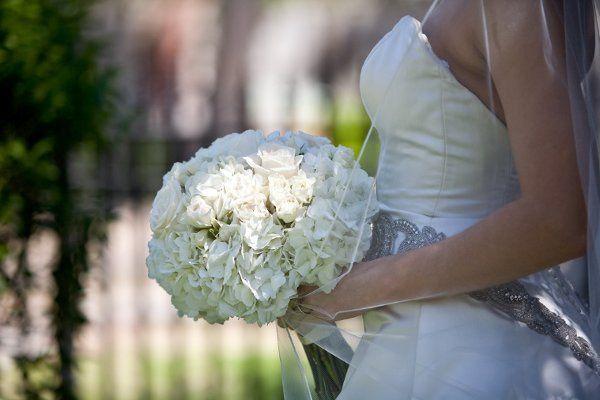 Tmx 1316765811069 PetiteFleurbyTheFrenchBouquetLSDPhotographyLargeWhiteStunningBridalBouquet Tulsa wedding florist