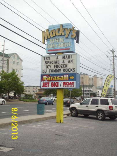 "DJ ToMMY at MACKY's BAYSIDE in Ocean City, MD for their ""Welcome to the Jungle"" theme party!"