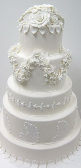 Elegant and beautiful five tier cake
