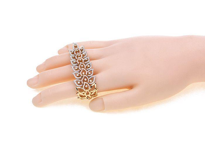Hand accessory