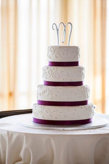 waitt minges wedding cake picture 2