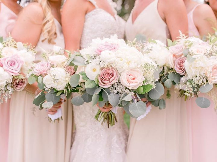 Tmx 42666854 1865755130127635 398010719490015232 N 51 676689 York wedding florist